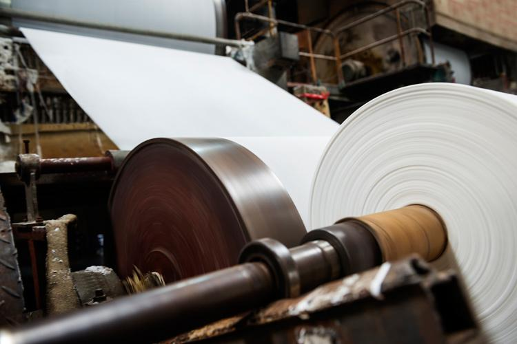 Paper and wood machine operatives